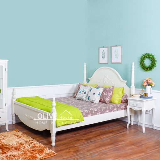 Queen Anne King Bed